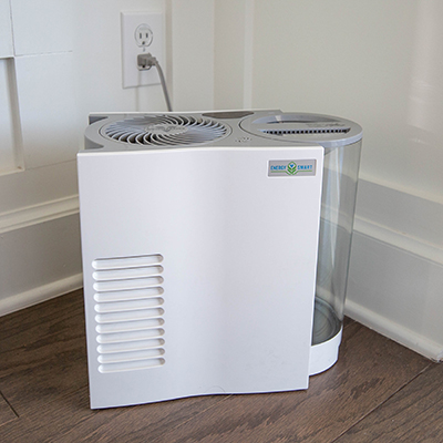 VORNADO<sup>&reg;</sup> Whole Room Humidifier - Circulate humidity through the room without mist or mess with this whole room humidifier with natural evaporation.  Humidifies up to 750 sq ft and features 3 fan speeds, touch-sensitive controls, SimpleTank™ system, 1-gallon capacity and 1 wick with antimicrobial treatment.